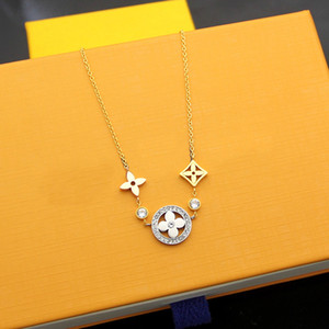 قلائد المصممات الفاخرة من النساء مجوفات من أربع أوراق قلادة زهرة قلادة من سوار الورد الفضي