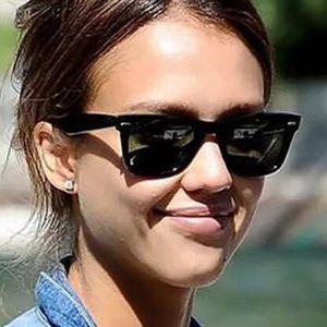 Lunettes de soleil à la mode pour hommes Femmes 52mm Designer Cateye Lunettes de soleil Cool Eyewear 2132 Miroir noir noir noir avec étuis