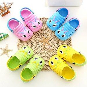 Fashion Kids Caterpillar Garden Slippers Child Boys Girls Slip Lighe Weight Beach Hole Sandals Baby Candy Home Outdoor Shoes M2015