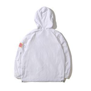 Lettera stampata fashion- stand colletto della giacca giacca con cappuccio allentati americani Uomini Windbreaker impermeabile bandiera nera