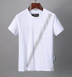 18SS so schnell wie möglich ROCKY Christmaas T-Schwarz-Schädel Bedruckte T-Shirts Hip Hop-Kurzarm Baumwolle Kleidung O-Ansatz Art und Weise HFLSTX081