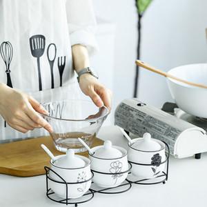 Kreative Keramik Europäische Gewürz-Box-Flasche mit Löffel Salzstreuer dreiteiliger Anzug Küche liefert WJ031110