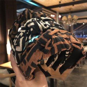 2020 Moda venda de las muchachas de la vendimia que hace punto trenzado con nudos Carta diadema turbante diseñador de accesorios desgaste del cabezal