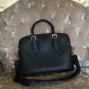 2020 top lady handbag leather fashion outdoors travel lady handbag size 39* 29* 7cm