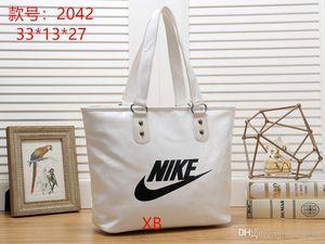 2020 Hot Vender Mais recente Messenger Bag Totes sacos Estilo Feminino Lady Composite mala a tiracolo Bolsas Pures mensagem bolsas carteiras bolsa 77