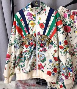 2020Apricot casacos e calças Carta Florals Imprimir 2 Pieces Calças Designer jaquetas e calças compridas conjuntos de Tiger Bordado Applique Mulheres