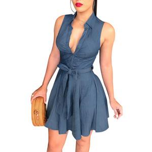 T-shirt moulant en jean bleu à col V sans manches pour femmes