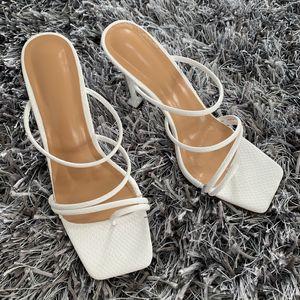 Hot Sale-Verão Bombas New Sexy Gladiator Sandálias Sapatos mulheres magras Salto Alto Sapato Aberto à frente Sandália Senhora com tira no tornozelo Bomba Sapatos