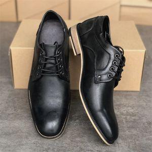 Новый роскошный Мужчины Оксфорд платье обувь досуг Мода натуральная кожа плоские туфли скользят по Бизнес Мокасины Gentleman партии Свадебная обувь