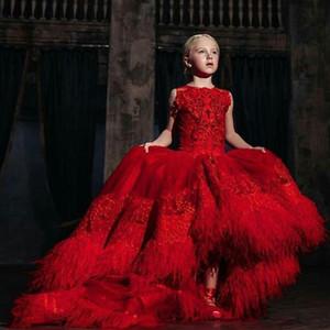 2020 Jewel Neck SpitzeAppliques Blumen-Mädchen kleidet Luxus rote Feder Hoch Tief Kind-Festzug-Kleid Tulle Kinder Formal Wear