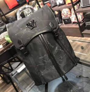 Moda Zaino Mens Deigenr Medusa speciale borsa uomo borsa a tracolla grande capacità con Front scuro logo e lunga striscia