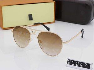 도매 여성 남성 여성 브랜드 선글라스 디자인 금속 빈티지 선글라스 여성 패션 스타일 사각형 프레임 UV 렌즈 원래 케이스