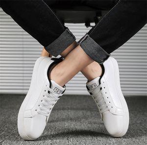 2020 Top confortável sapatos casuais selvagens sshoes planas dos homens das mulheres tecido de couro patchwork trendy tênis sapatos casuais parafuso prisioneiro esportes patim