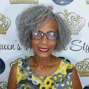 Frauen Silver Grey verworren Clip lockigen Haar puff Pferdeschwanz Haarteil 1pc in afroamerikanern verworren Pferdeschwanz lockigen graue Menschenhaarverlängerung