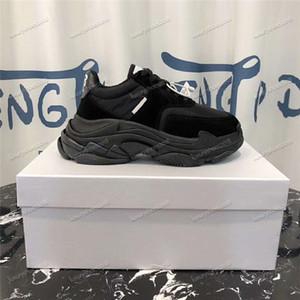 2019 Fashion Paris 17FW Triple S Sneaker 2.0 all color Triple-S Casual Papà Scarpe da donna Designer da donna Sport escursionismo Sneaker