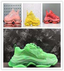 2019 Paris 17FW Triple-S ocio de los zapatos de lujo zapatos de plataforma de la vendimia papá Triple S zapatillas de deporte Hombres Mujeres Kanye viejo abuelo Trainer