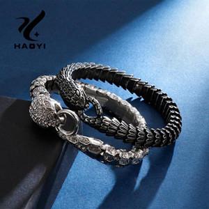 HAOYI Edelstahl-Armband Schmuck Tiere Schlange Weinlese-Charme für Männer Titan Stahl Hip Hop Mosaik Zircon-Armband