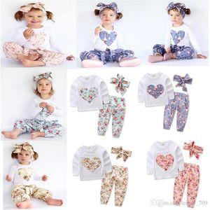 Baby Girl Ins a forma di cuore Fiore Abiti Toddler Infant Casual Breve T-shirt manica lunga Pantaloni Fascia per capelli 3pcs Set Pigiama Vestiti B
