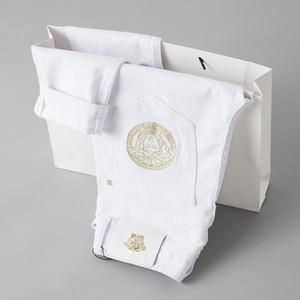 Jeans pour hommes automne et l'hiver à la mode Pantalon broderie qualité parfaite et pantalon confortable conception originale