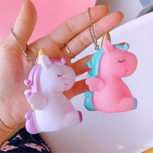 La mejor historieta Amigos del unicornio collares pendientes del arco iris Llavero animales de los niños Llavero Horse regalos los niños llave-coche favor del partido juguetes