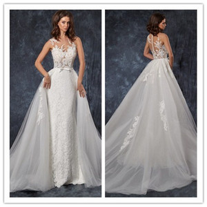 2019 Gorgeous Mermaid Lace Wedding Dresses With Cape Sheer Plunging Neck Bohemian Wedding Gown Appliqued Plus Size Bridal Vestidos