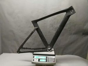 Garantie de 2 ans Frein à disque de bicyclette de course en fibre de carbone de trame de route en carbone UD BB30 mat brillant pour Di2 électronique