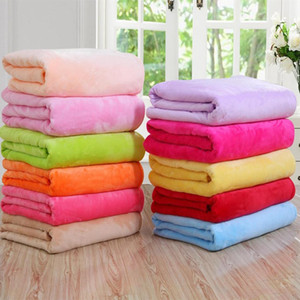 50 * 70cm chaud Flanelle Toison serviette Couverture souple Couvertures solides Couvre-lit en peluche d'hiver d'été Throw Blanket pour Canapé-lit XD22444