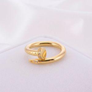Mode-Klassiker einzigartige Design Männer und Frauen Ringe Nail Titan Stahl Edelstahl 18k Gold Schmuck Accessoires Herren-Diamant-Ringe