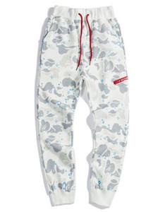 Primavera SUMME Moda Esportes calças para RunMen Esportes luminosos Calças do Desporto Treino camuflagem dos homens Corredores tubarão Impresso Pant