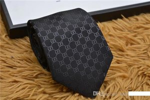 Legami Stampa modello Uomini di lusso di 8cm per le cravatte di marca poliestere progettista di seta cravatta cerimonia nuziale degli uomini stretti legami