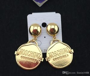 Yeni Avrupa ve Amerikan moda MOS Earrings gece kulübü abartılı mektup Yuvarlak Küpe 19052012