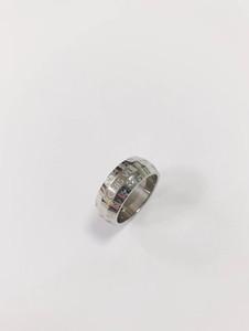 Nuovo buon prezzo all'ingrosso di alta qualità forma ampia V Uomini Formato dell'anello 7/8 del nastro lettera di colore da regalo in acciaio inox per gli uomini le donne