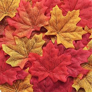 50pcs Artificial Maple Leaves cair para Decorações Home do partido do casamento do jardim Babyshower Detalhes no bricolage scrapbooking Crafts
