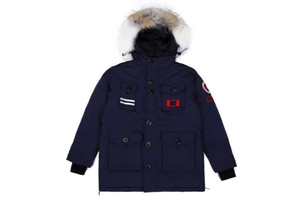 marque Canada 150e anniversaire 08 hommes de style d'oie Couleur unie noir manteau Parker Doudounes femmes d'oie Sports de plein air froid manteaux chauds