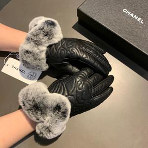 ماركات عالمية- 2019 الشتاء أعلى جودة الكماليات المصممين رجل إمرأة العلامة التجارية والجلود قفازات أزياء قفازات جلد الغنم غانتس قفازات C09