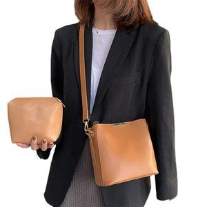Messenger Bag Women Bucket Shoulder Bag Large Capacity Vintage PU Leather Lady Handbag Luxury Designer Retro Shoulder Bucket