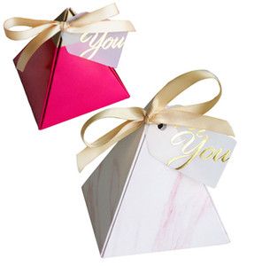 Роза Красная Треугольная пирамида Sweet Candy Box Свадебные сувениры Бумажные подарочные коробки шоколада сумки Упаковка подарка Box Свадебные украшения
