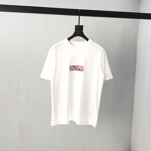 Мода 2020 Summer Relief Логотип футболки Hip Hop скейтборд Takashi Murakami Relief Футболки White Tee Hot Sale