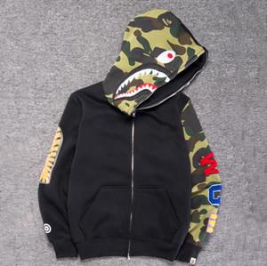 Novos Roupas masculinas jaquetas com capuz Camuflagem cinza Impressão de tubarão moda masculina com capuz de algodão Sportswear moletom com capuz de lã interior