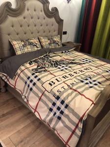 Branded Stripe Flower Print Cotton 4pcs Bedding Sets Designer Comfortable Home Textiles Including Duvet Cover Pillowcase Bedding Sheet