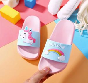 Kid Designer Shoes mamma di lusso Slipper Arcobaleno Unicorn Parenting Pantofole Cartoon pony per bambini di lusso di vendita calda Slipper Pantofole donne