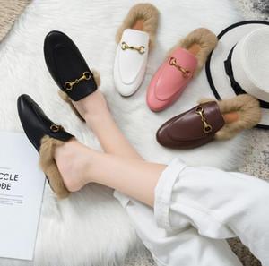 Nuovo Stilista Stagione donne Mules scarpe di lusso del cuoio genuino pelliccia reale pistoni pigri Moda Horsebit fannulloni piani per le donne Scarpe comfort