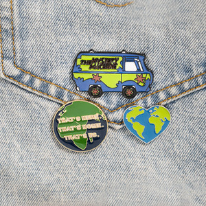 Free DHL Summer Travel Car Brooch Enamel Lapel Pins Love Heart World Map Brooches Badge Female Fashion Daily Accessories Gifts