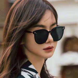 2020 새로운 한국어 젠틀 몬스터 여성 선글라스 동쪽 달의 패션 레이디 우아한 고양이 눈 선글래스 여성 레트로 선글라스 원래 팩