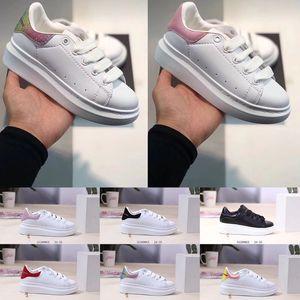 McQueen Bébé luxe Plate-forme enfants Chaussures Designer Reflective Triple Noir Blanc Or Enfants Casual Sneakers Fashion Party Chaussures plates en cuir