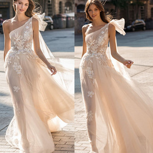 2020 Muse par Berta robes de mariée une épaule Tulle robes de mariée Robes de soirée Illusion Behamian Une ligne de robe de mariée