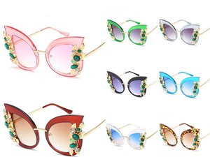 2020 Großhandel Hot Rimless Glasses Neue 3.524.012 Diamant Randlos Schwarz Blumen Buffalo Horn-Sonnenbrille-Männer Stein Unisex Brille Brown mit B # 831