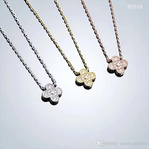 قلادة 2019 الفولاذ المقاوم للصدأ مصمم المجوهرات قلادة أربع أوراق زهرة قلادة فاخر مصمم المجوهرات النسائية يثلج خارجا سلاسل