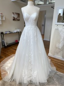 Design Bridal Wedding Dresses 2020 A-Line Sweetheart Neckline Lace Applique Tulle vestidos de novia stella Long Train