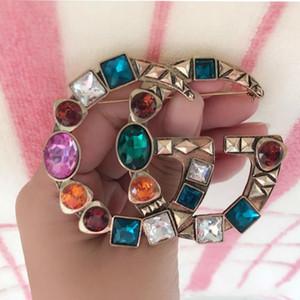 Jóias vintage Cristal Grande Broche Mulheres Carta Broche Terno de Lapela Pin Acessórios de Moda Presente para o Amor broches